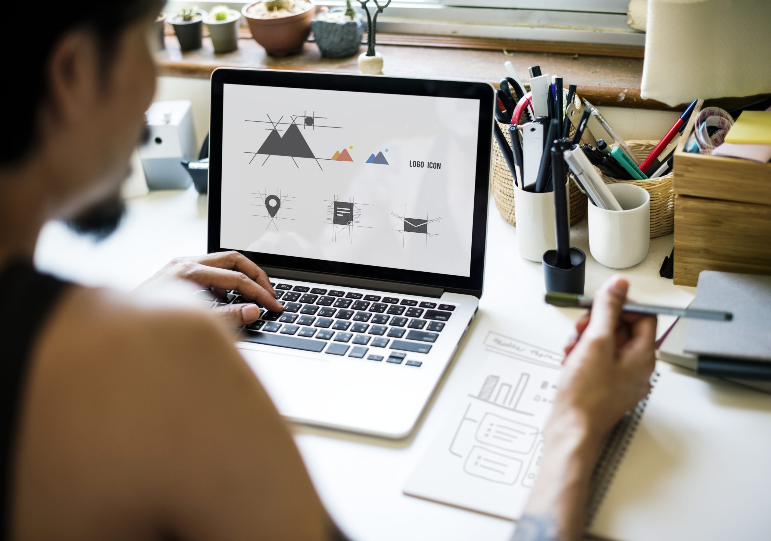 Discover where's the best place to put your logo design!